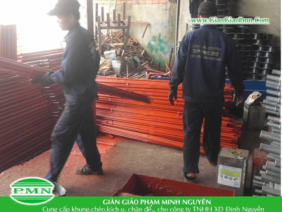 Gian-giao-Pham-Minh-Nguyen-giao-hang-cho-cty-Dinh-Nguyen (1)